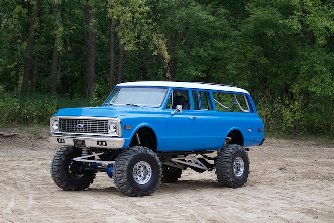 Party Barge: A Duramax-powered 1972 Suburban With Seating For 12!