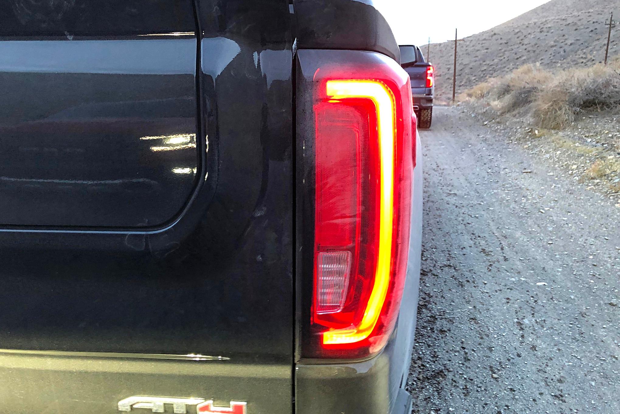 fwoty19 lighting gmc sierra taillight