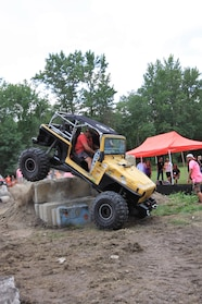 016 ocjw 00 tj yellow obstacle