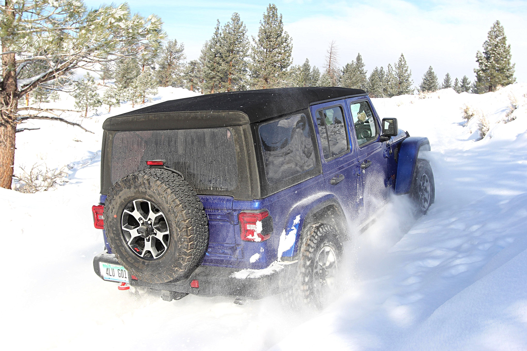 2019 suv of the year jeep wrangler unlimited rubicon rear.JPG