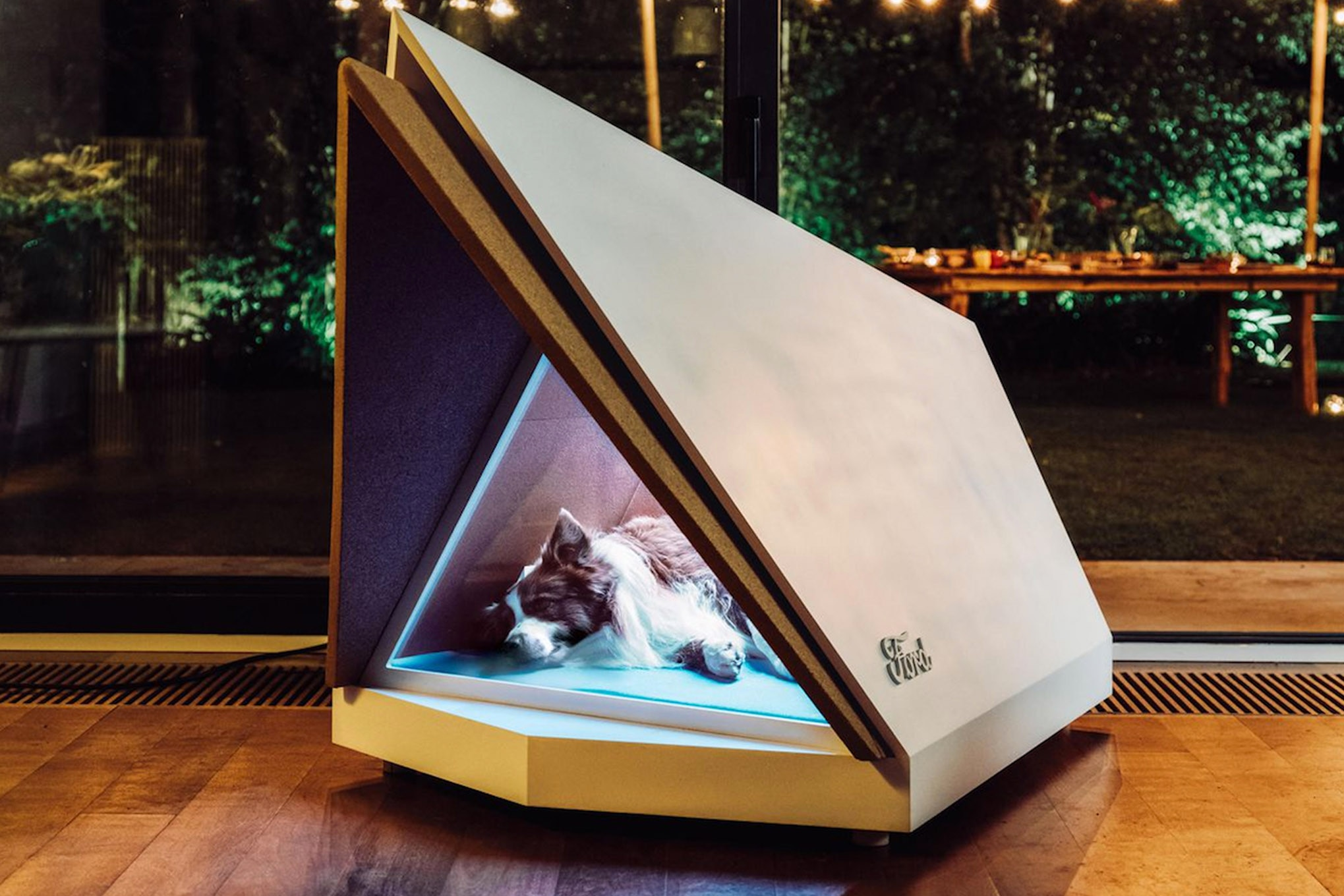 009 auto news four wheeler ford noise cancelling dog kennel