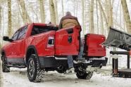 002 auto news jp jeep gladiator 2019 ram multifunction tailgate