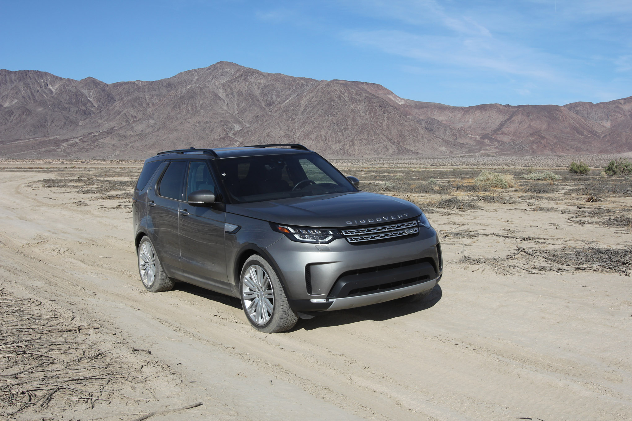 long term test second report 2018 land rover discovery lead