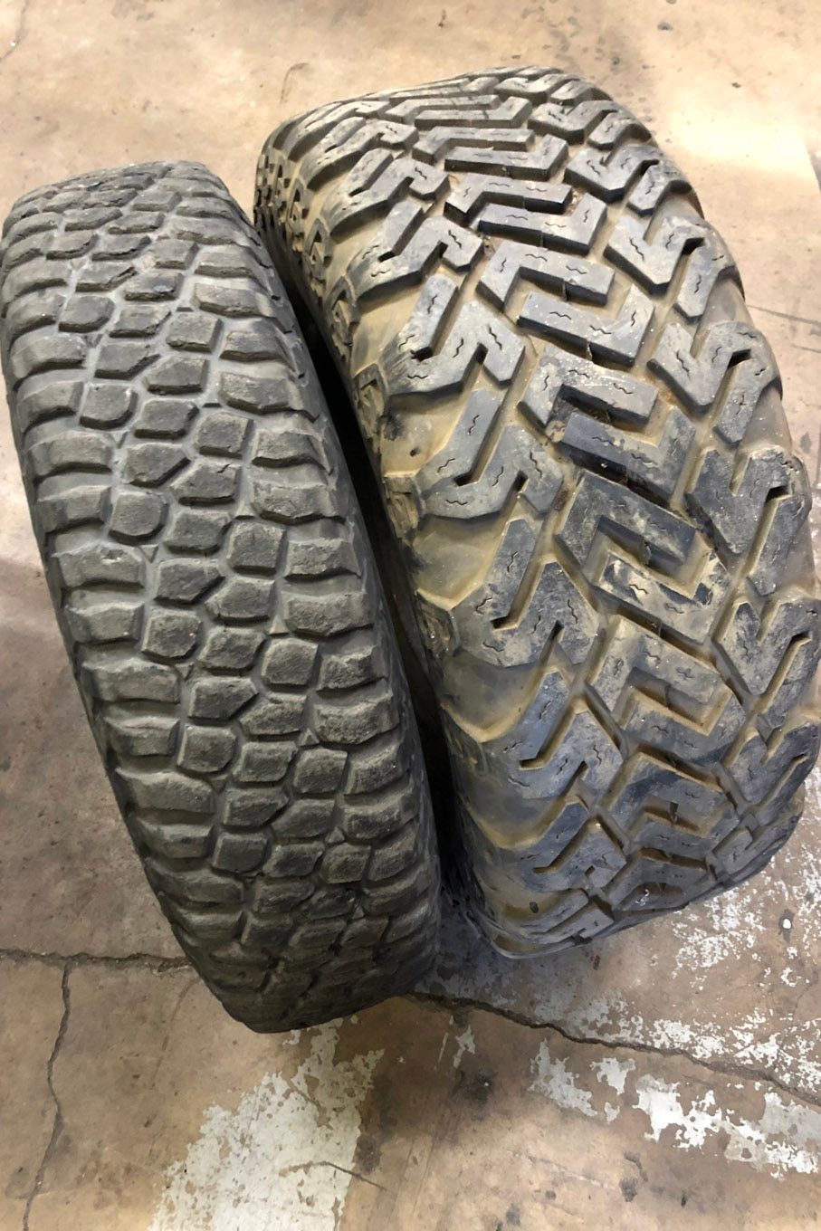 These are perhaps the most dramatic examples of skinny and wide tires. The 10.5-inch-wide Class 10 race tire on the left is typically mounted on a 4-inch-wide wheel! By contrast, the old Dick Cepek Fun Countries on the right are 15 inches wide. The Fun Countries have been the snow wheeling tire of choice for decades.