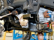 129 0905 08 z+hummer h2 suspension+lift subframe into place