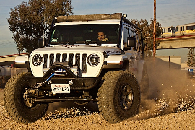 Lift and Caster Correction in One Wrangler JL Suspension System