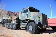 006 m1070 het military truck moab