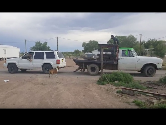 Jeep Grand Cherokee Battles International Pickup in Tug-of-War - Video