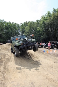 017 ocjw yj front tire up