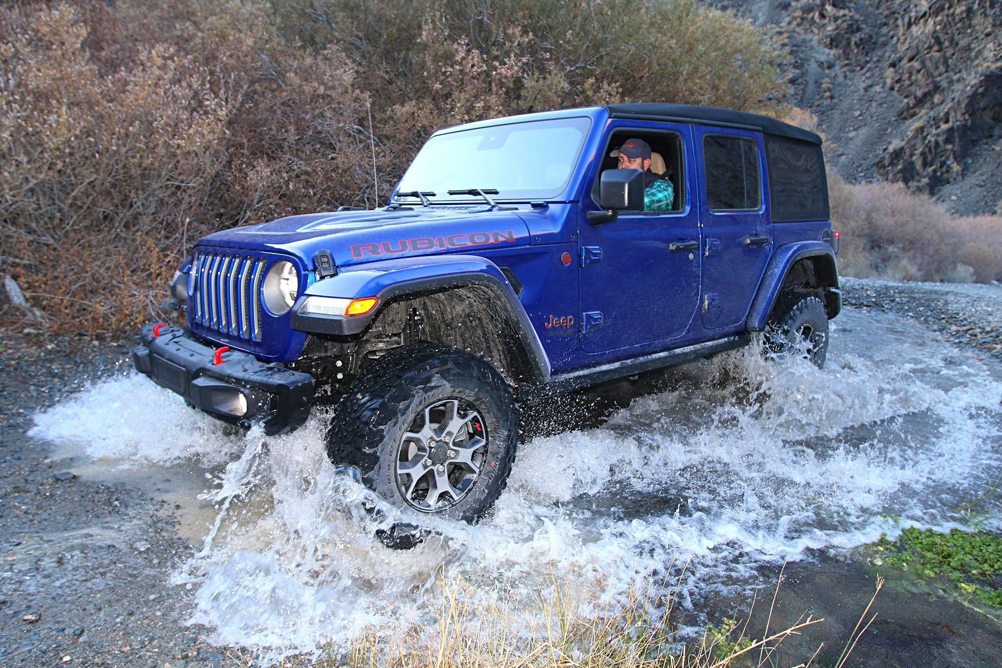 2019 suv of the year jeep wrangler unlimited rubicon crossing water.JPG