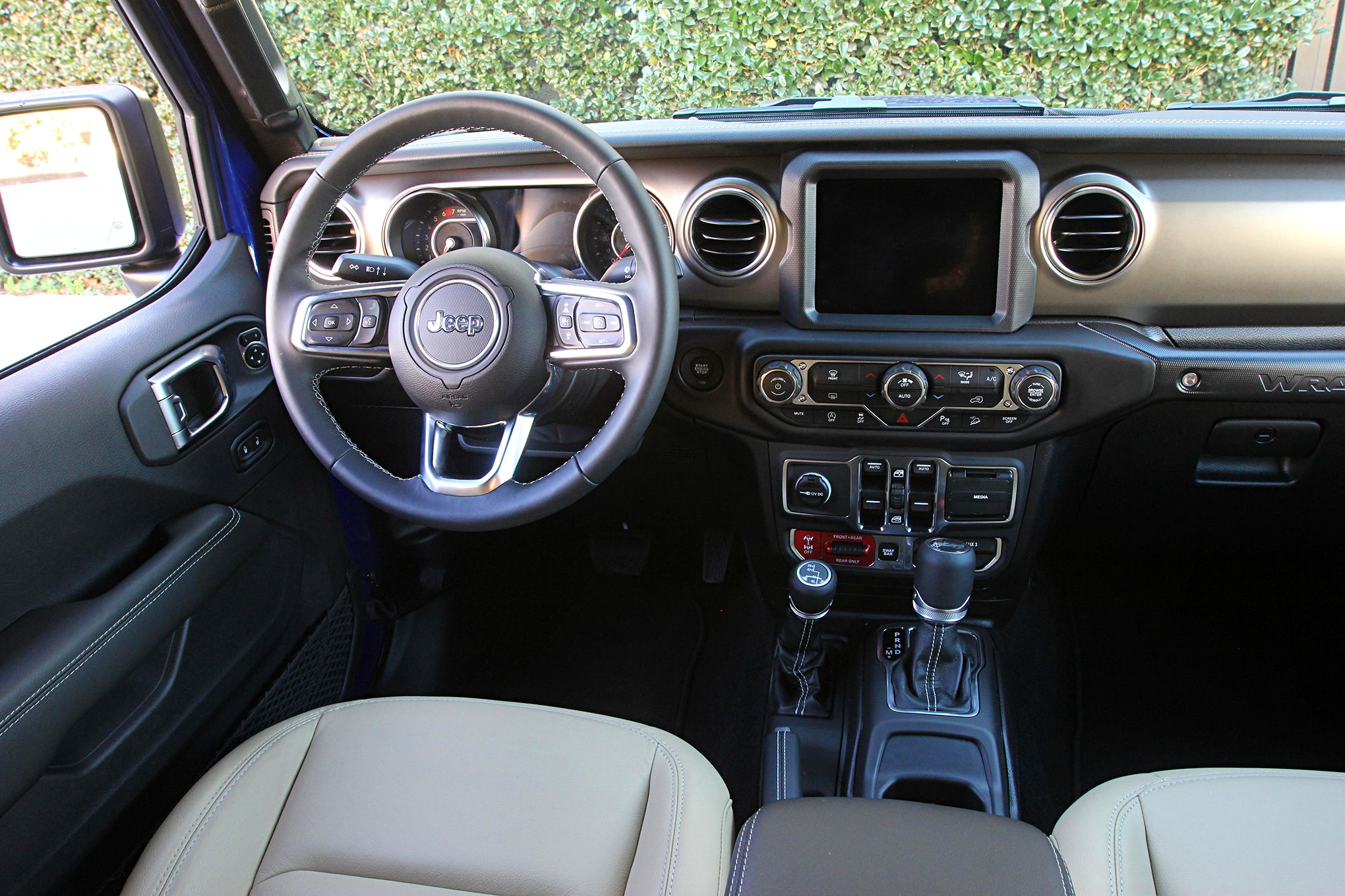 2019 suv of the year jeep wrangler unlimited rubicon interior.JPG