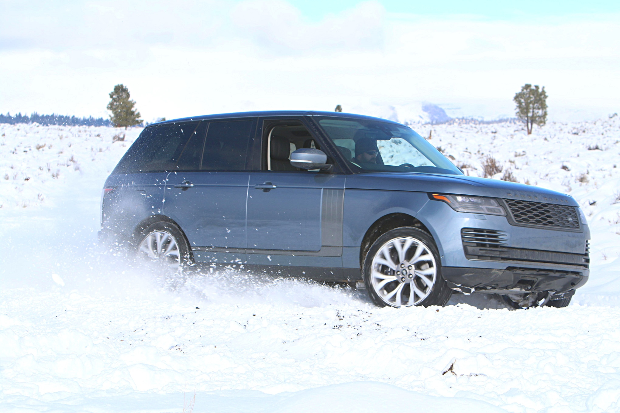 2019 suv of the year land rover range rover HSE P400e in snow.JPG