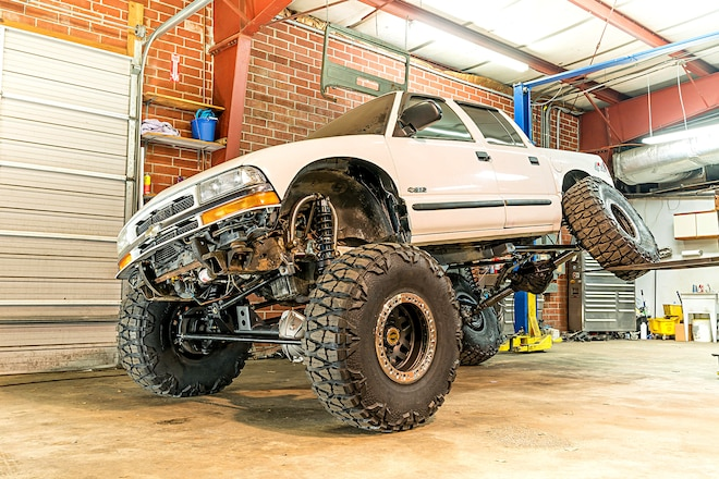 Suspension Swapping: Using Off-The-Shelf Parts to Solid-Axle-Swap An S-10