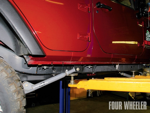 129 0904 03 z+2007 jeep wrangler jk protection+remove stock sliders