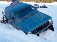 131 0810 01 z+october 2008 4x4 screw ups 4 wheel whoops+suv stuck in snow