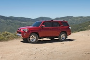 2017 Toyota 4Runner TRD Off Road Premium front three quarter 03