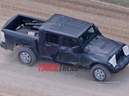 2019 Jeep Wrangler JL Pickup Spyshots 05