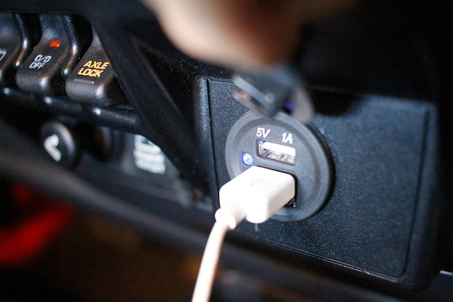 USB Charging in Any Jeep