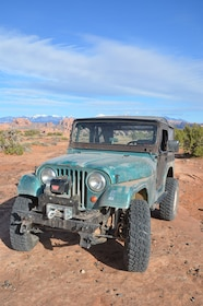 012 FWRP 161000 Jeep parts buyers guide.JPG
