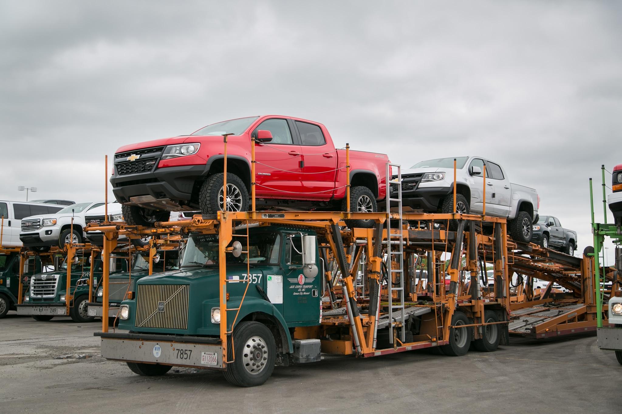 2017 chevrolet colorado zr2 truck transporter
