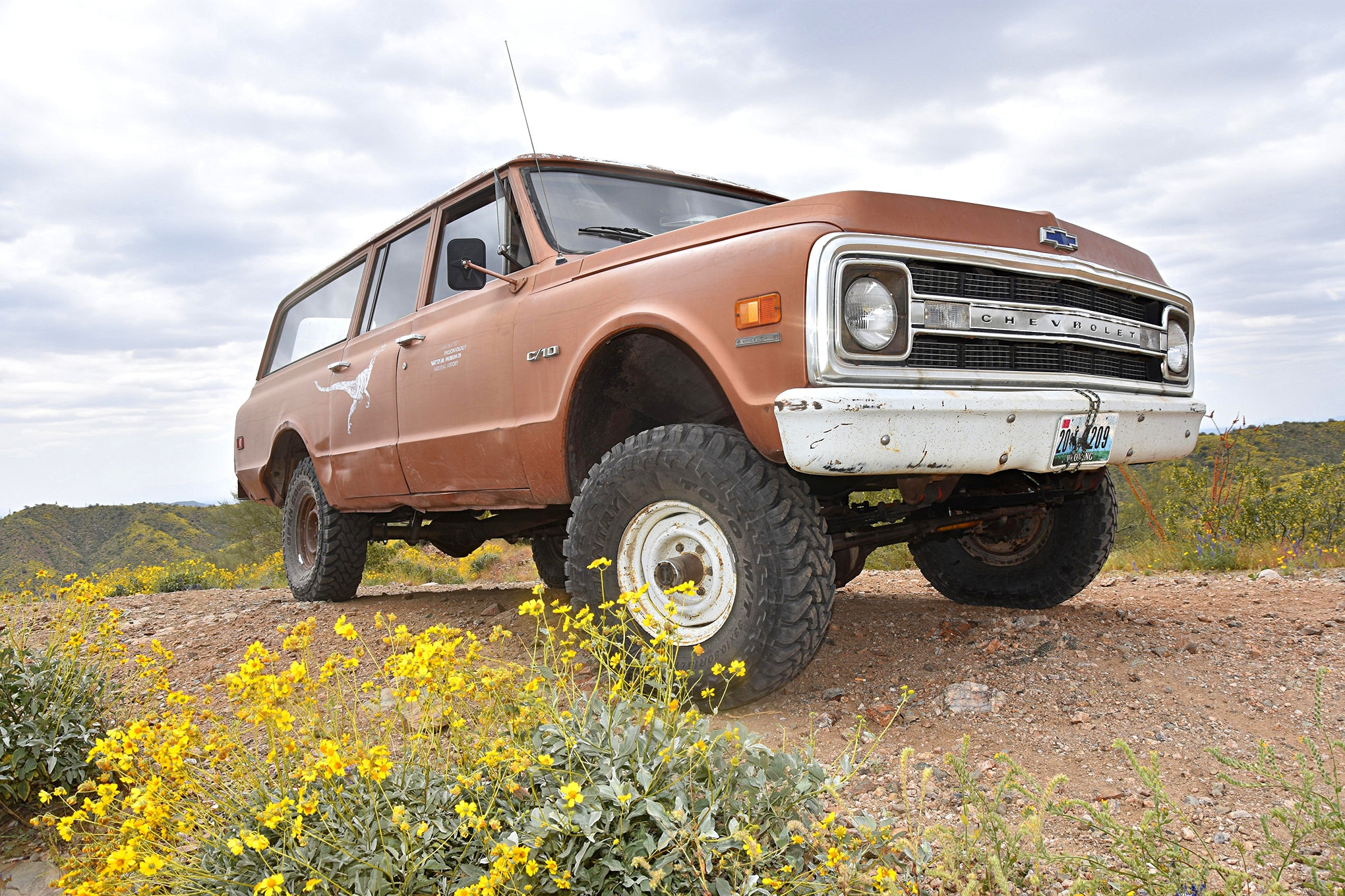 dino suspension lift and tires lead.JPG