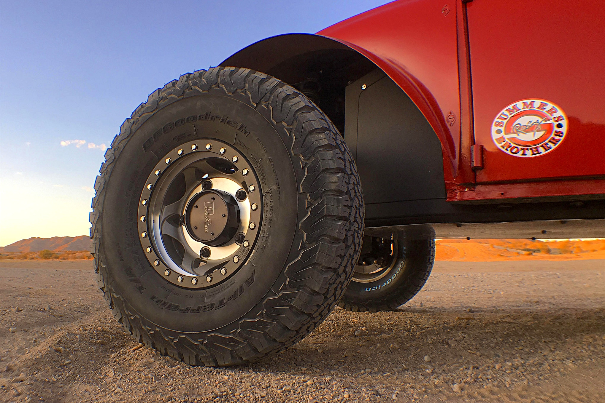 No bigs 'n' littles for this Bug as 33-inch BFGoodrich KO2's have been wrapped around 15-inch Walker Evans Racing beadlock wheels.