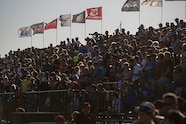 032 loorrs geico white horse pass crowd