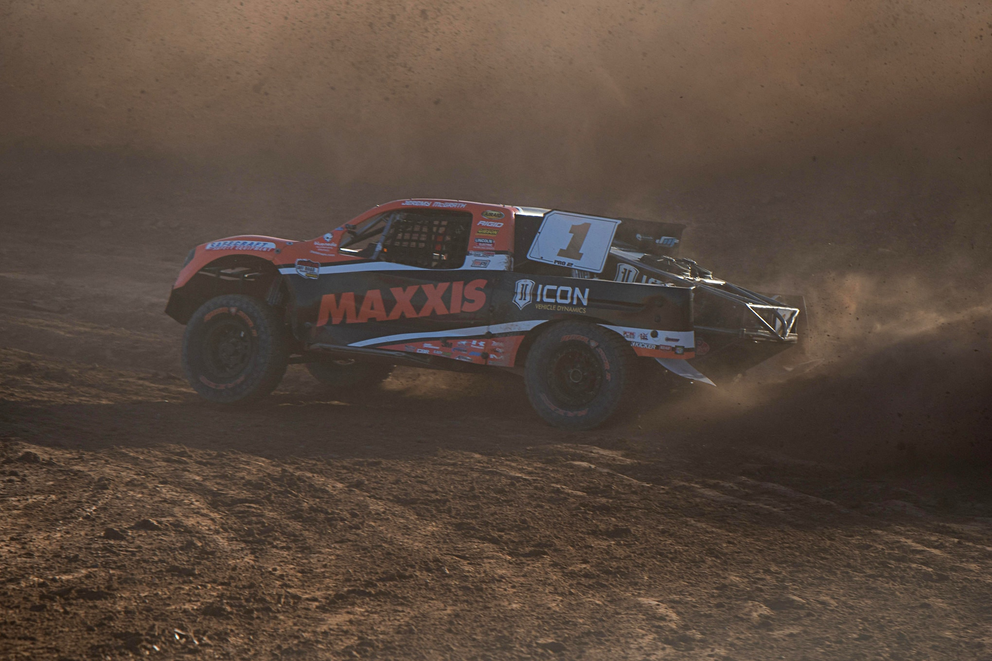 """Jeremy McGrath (2) on route to his first Pro 2 Championship. Since starting his journey back in 2010, McGrath has put in the time and steadily progessed from """"another mx guy racing trucks"""" to being in the hunt to now winning the 2017 LOORRS Pro2 Championship. We congratulate him on this, his latest in a long line of national championships."""