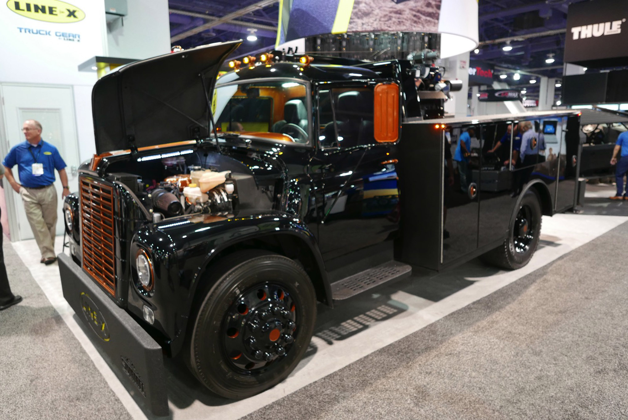 163 sema 2017 day 1 south upper hall gallery photos