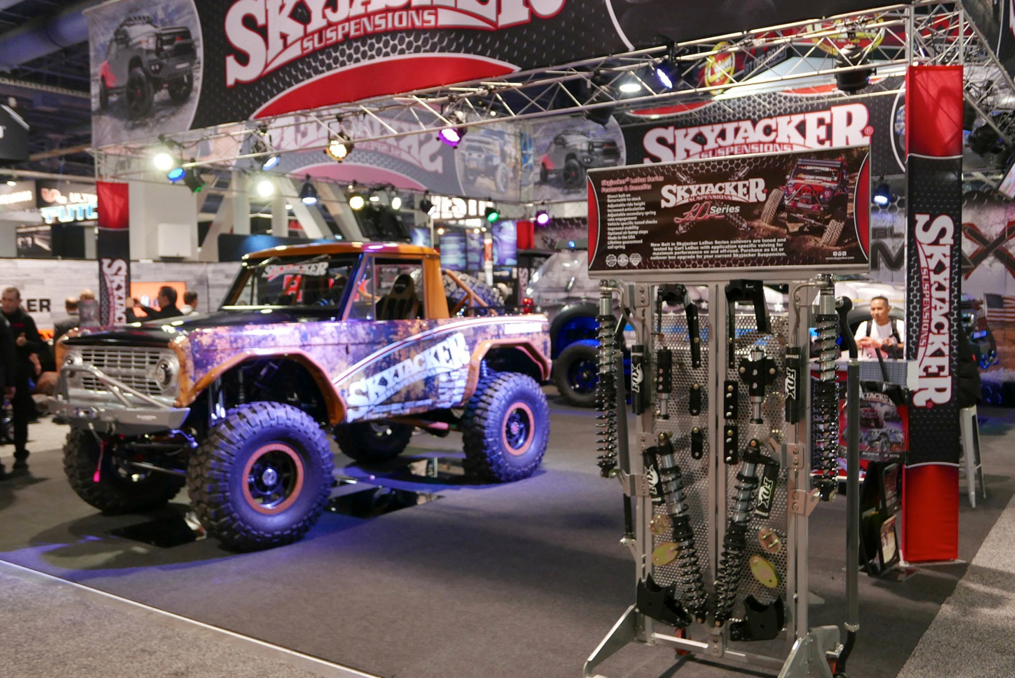 151 sema 2017 day 1 south upper hall gallery photos