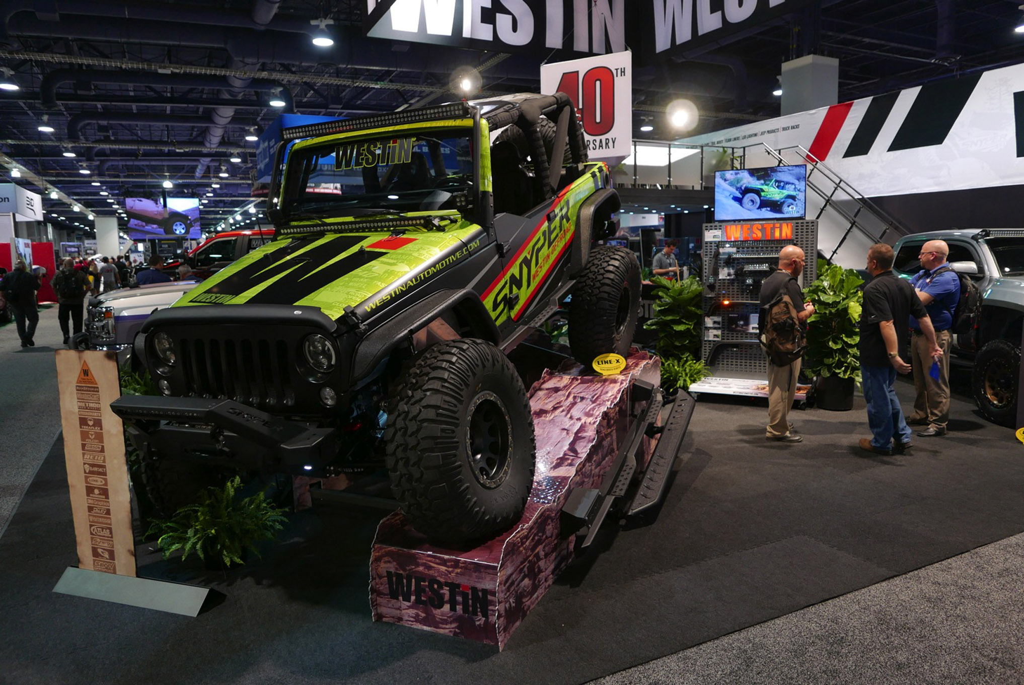 137 sema 2017 day 1 south upper hall gallery photos