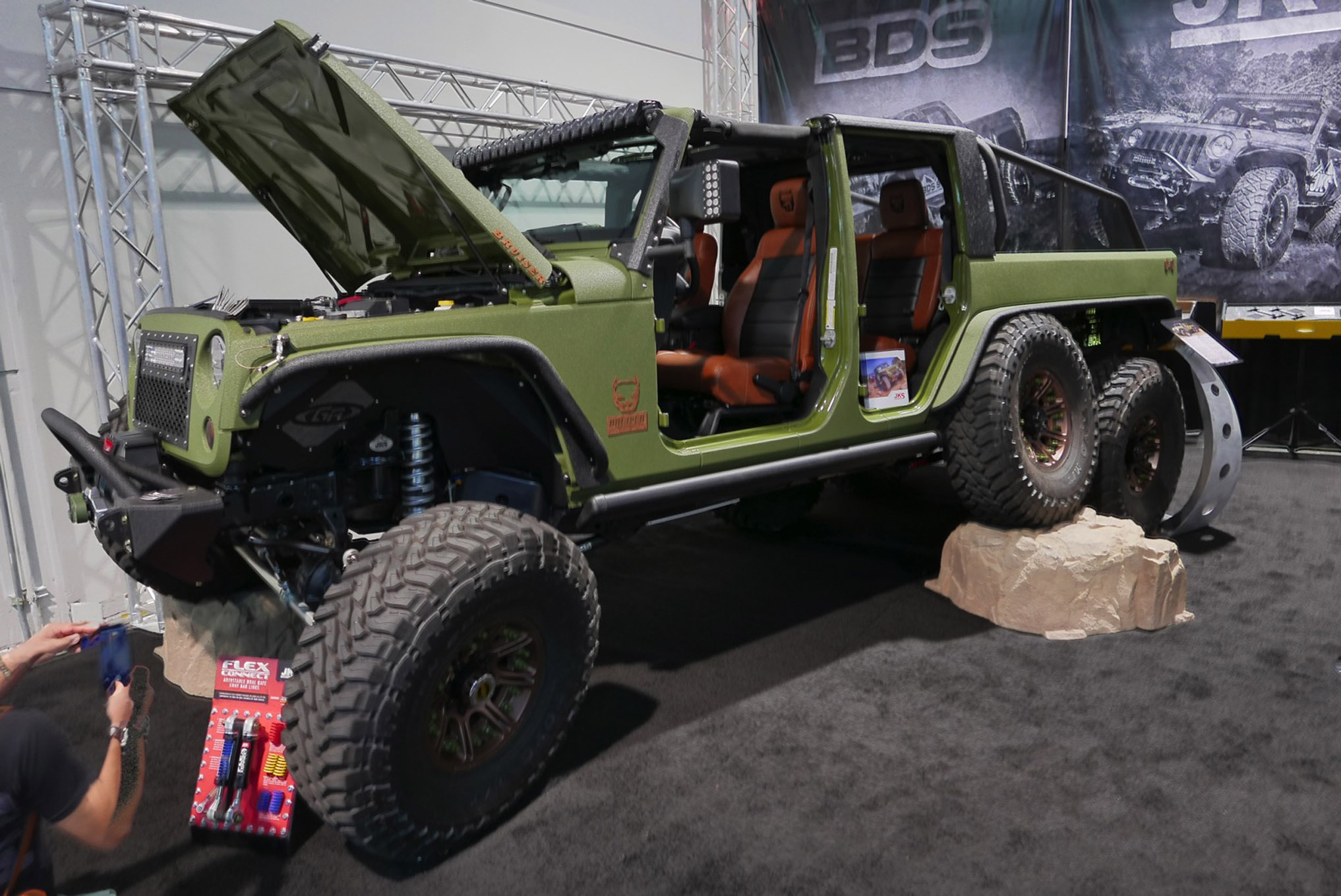 123 sema 2017 day 1 south upper hall gallery photos