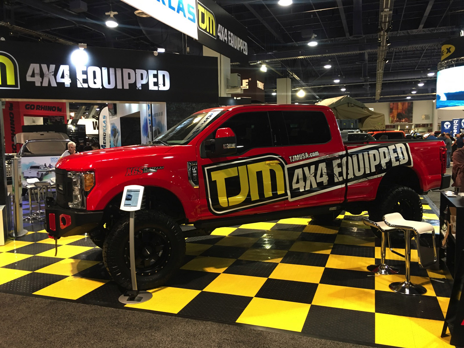 038 sema 2017 day 1 south upper hall gallery photos