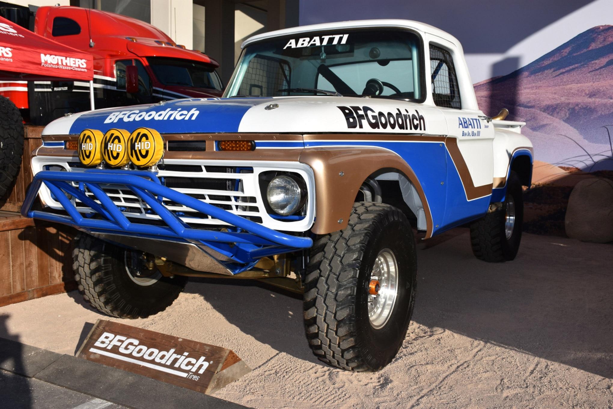 vintage fords of sema 052