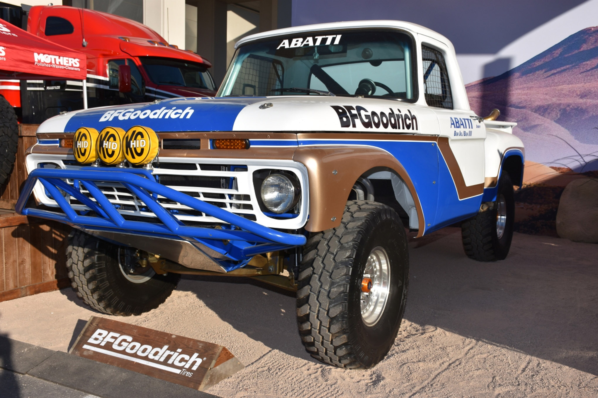 vintage fords of sema 051