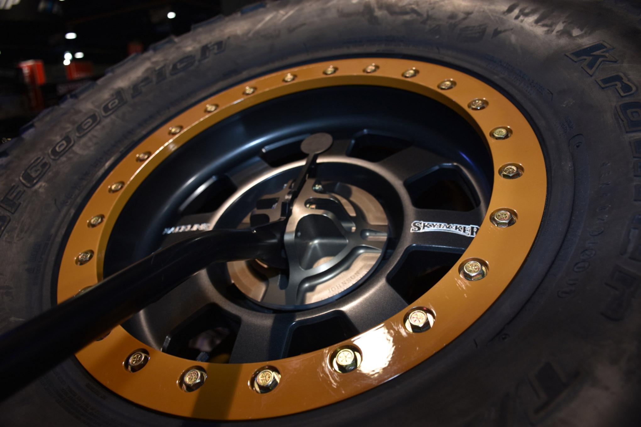 vintage fords of sema 040