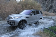 2018 suv of the year land rover discovery HSE luxury Si6
