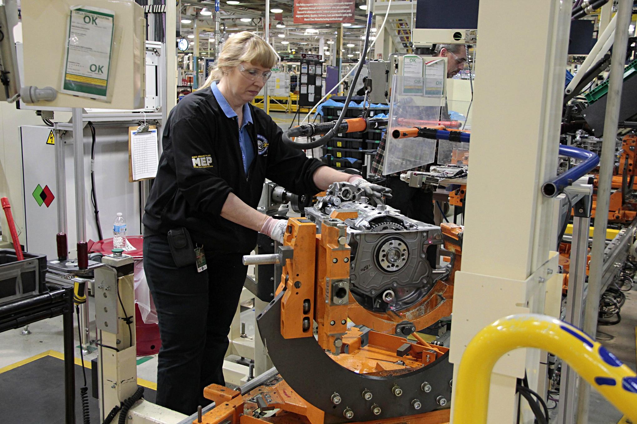 auto news four wheeler mack avenue engine plant.JPG