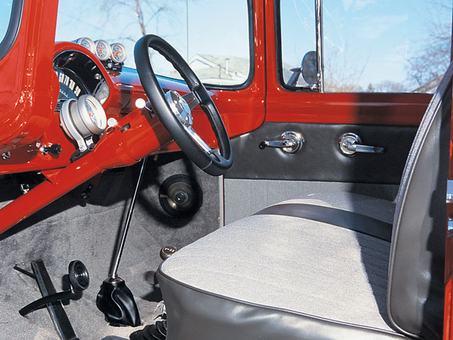 0104or 05 z+1956 ford f100 4x4+interior view