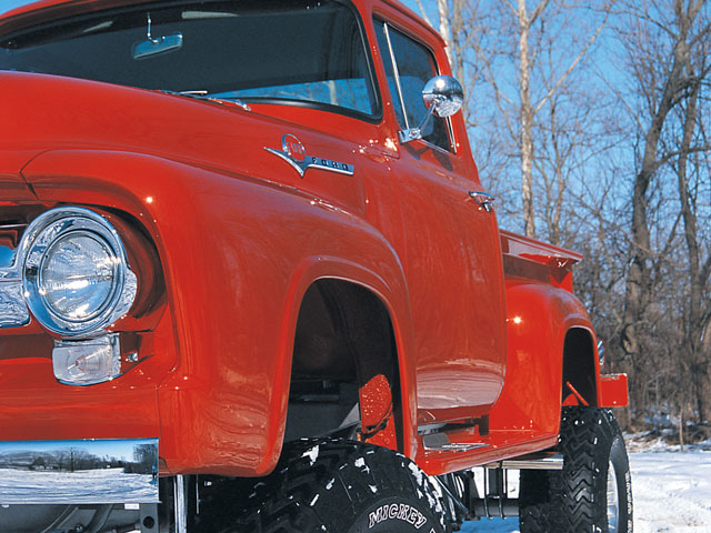 0104or 01 z+1956 ford f100 4x4+red side