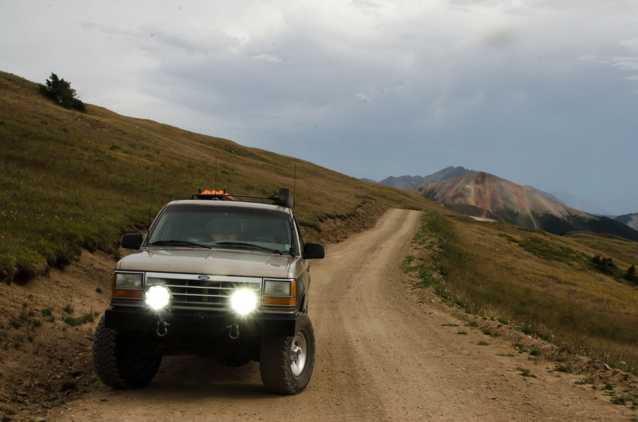 vision x adv light cannons ford explorer colorado mountains lead