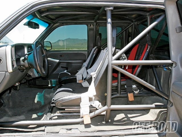 0911or 12 z+2004 chevrolet silverado+interior cage