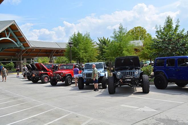 8,000 Jeeps at 6th Annual Great Smoky Mountain Invasion