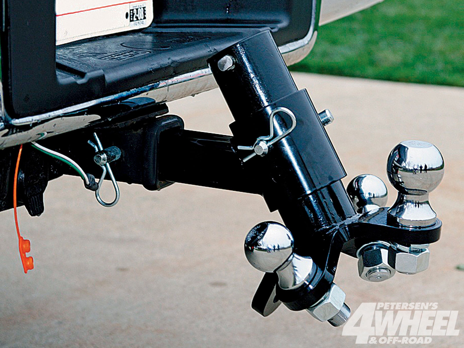 131 1003 04+2010 towing guide+boxer hitch mounts three different ball sizes