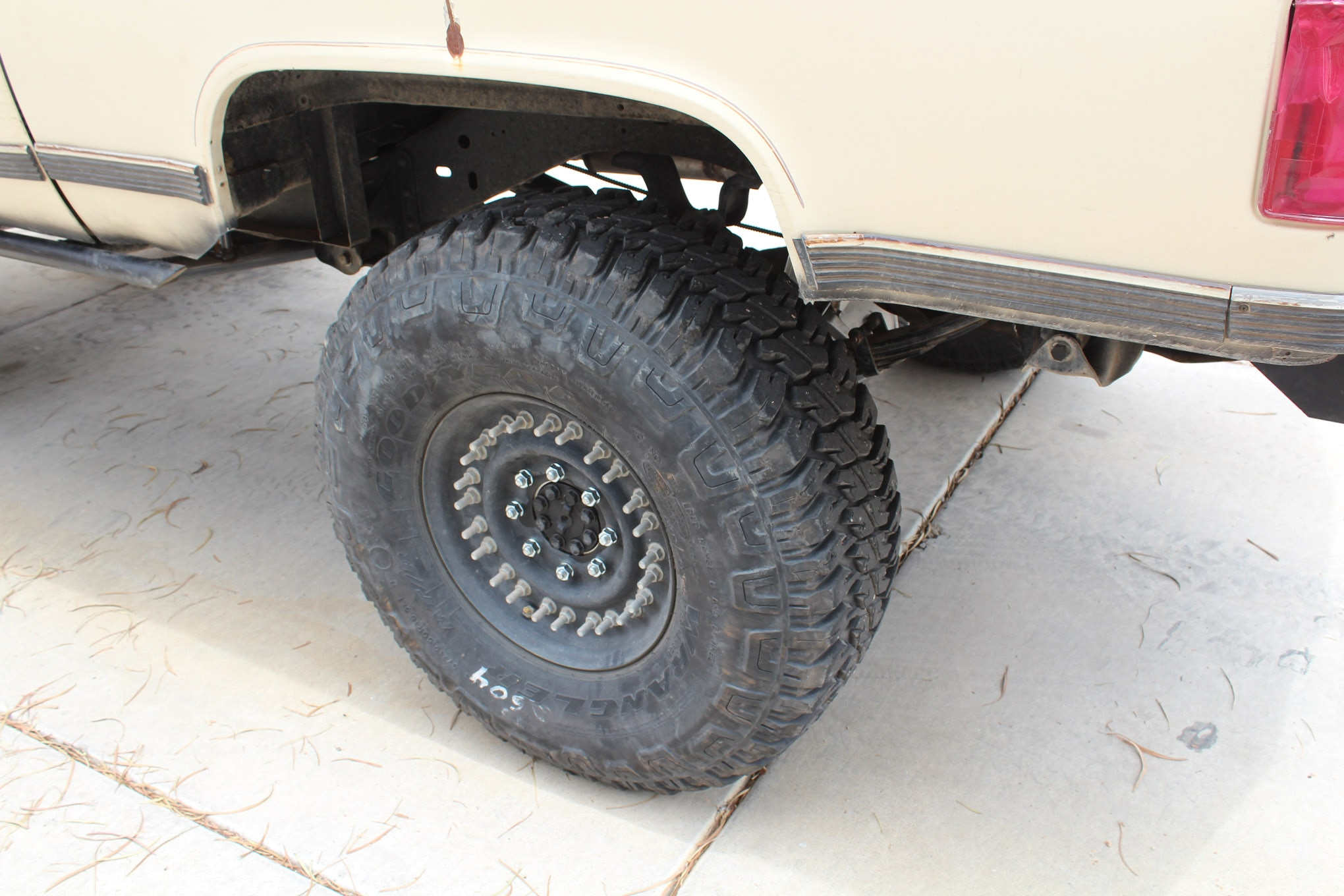 02 nuts full floating axle