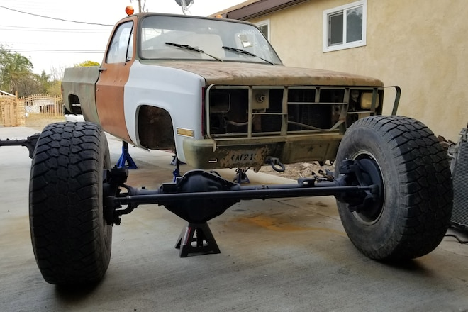 Rebuilding Factory Axles on an M1028 Military Truck