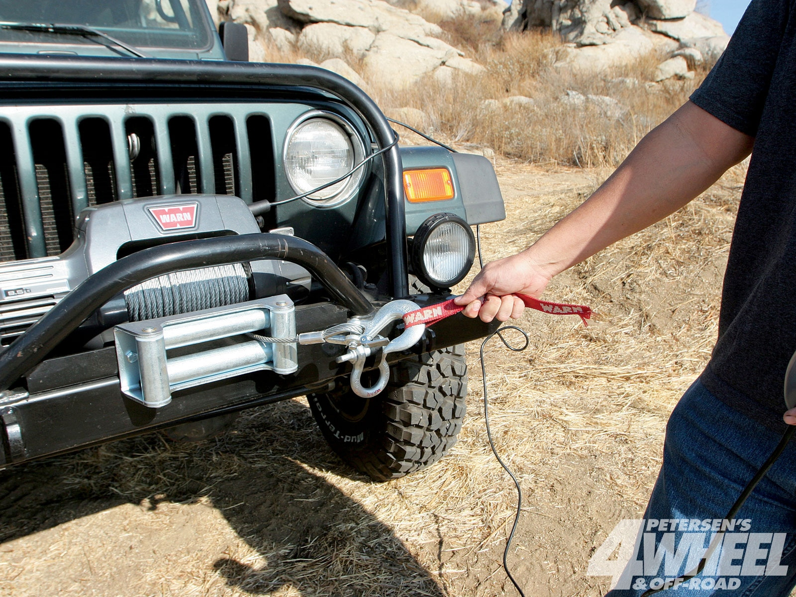 131 1004 04+basic winch safety tips+safety hook strap