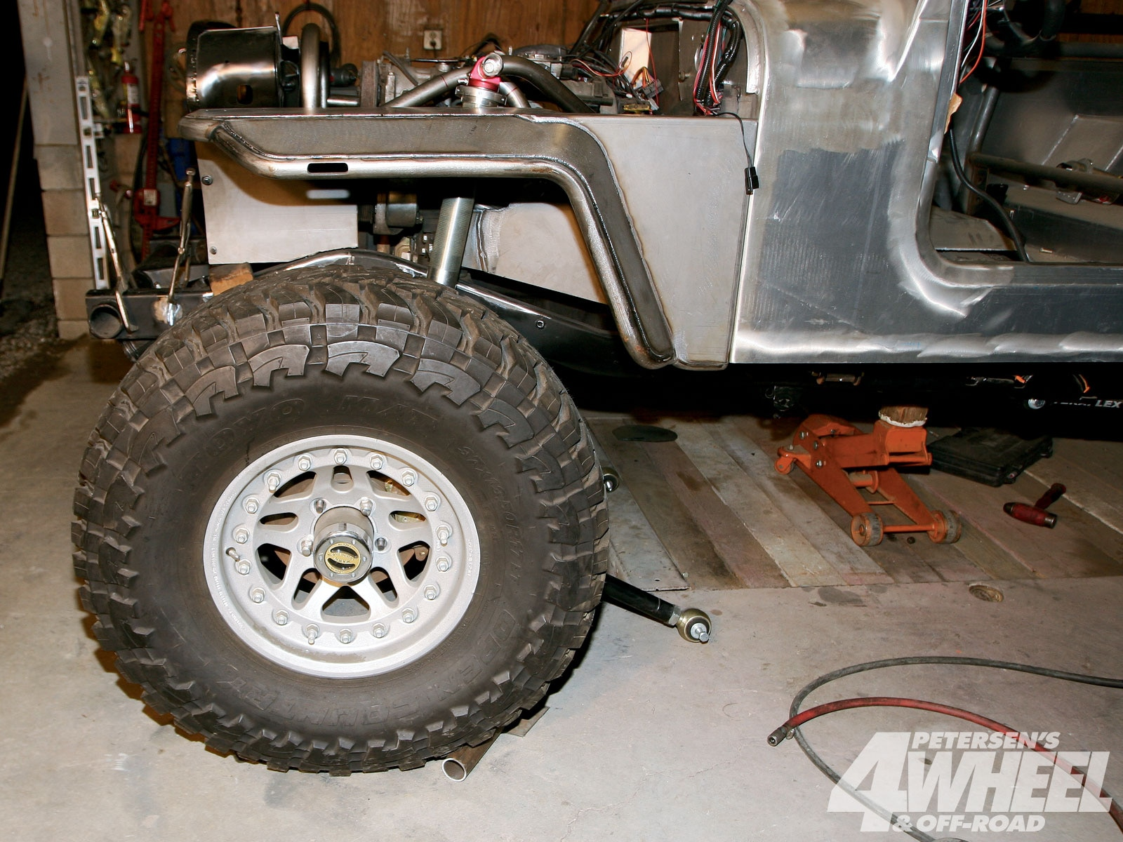 131 1005 06+jeep cj8 scrambler rock fenders suspension+wheel base