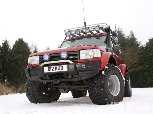 129 0909 21 z+1996 land rover discovery+front view snow