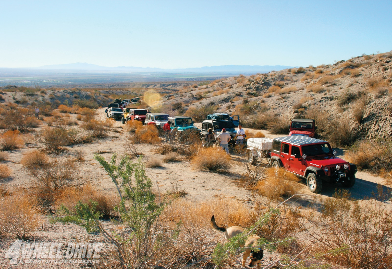 1003 4wd 04+mojave road+drivers meeting